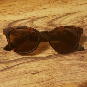 NWOT Steve Madden Polarized Women's Sunglasses